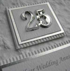 25th Wedding Anniversary Gifts For Parents Uk : ... 25 Years of Marriage with Some 25th Wedding Anniversary Gifts